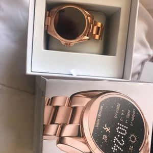 Gold rose smart watch Michael Kors